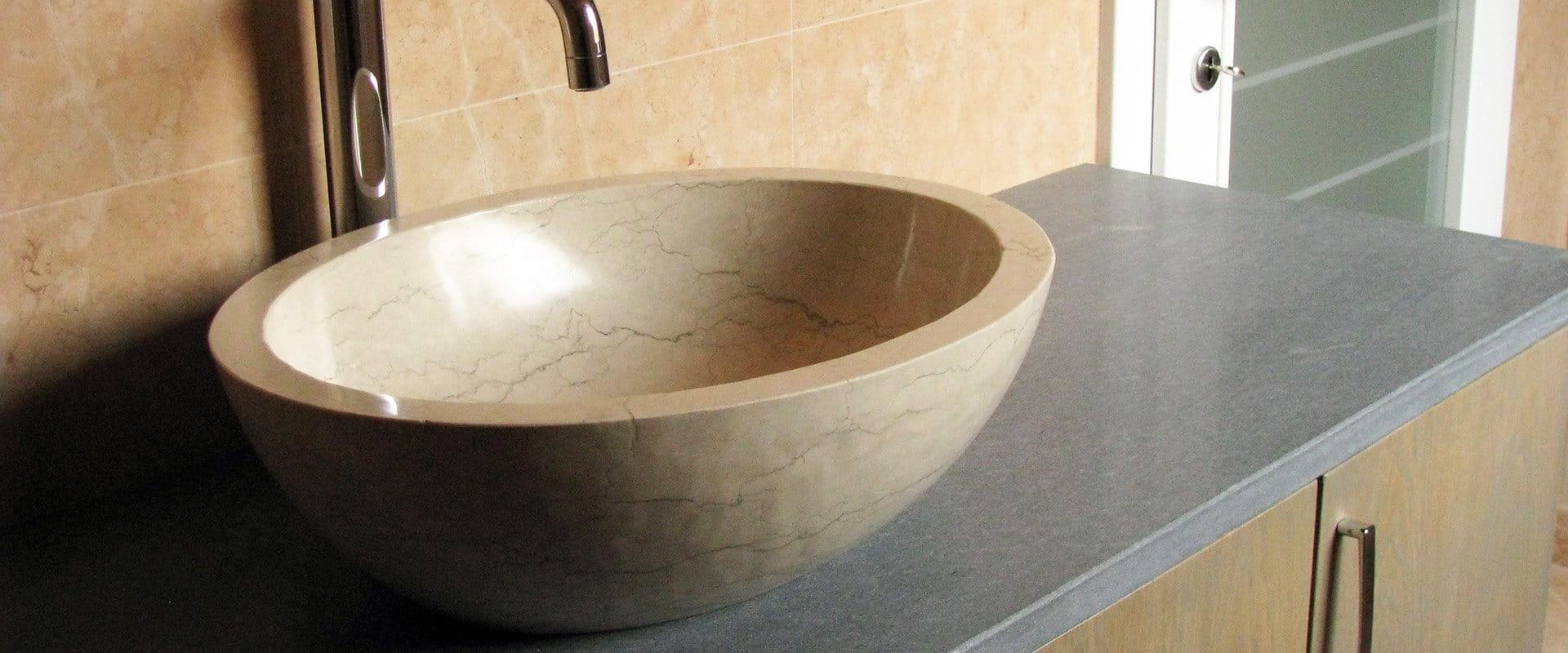 Lavandini Rustici In Pietra arredo bagno in pietra della lessinia   zivelonghi pietre
