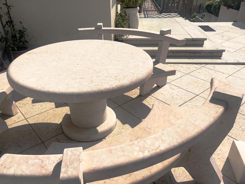 tavolo da esterno in pietra di prun o della lessinia