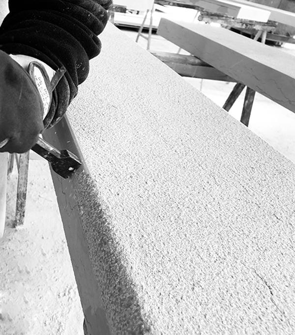 lavorazione artigianale della pietra della lessinia o di prun